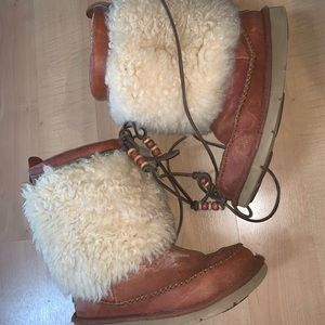 Uggs  size 5 boots